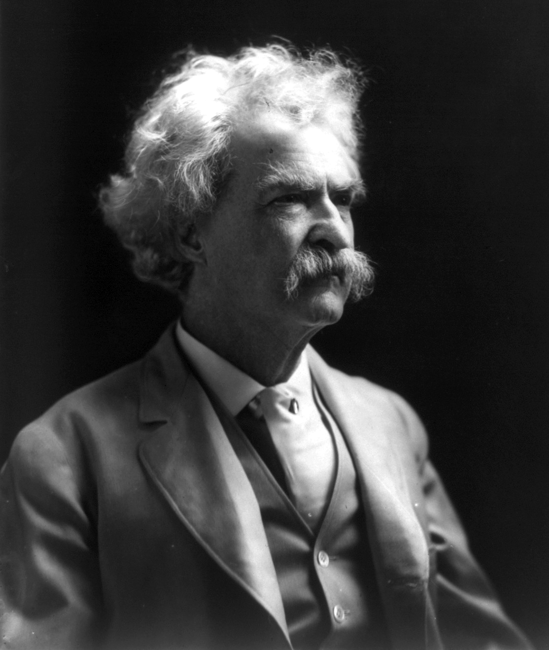 new mark twain essay Lost mark twain stories to be published alison flood  who is mark twain is a reference to twain's essay frank fuller and my first new york lecture, included in the book in the essay, twain .
