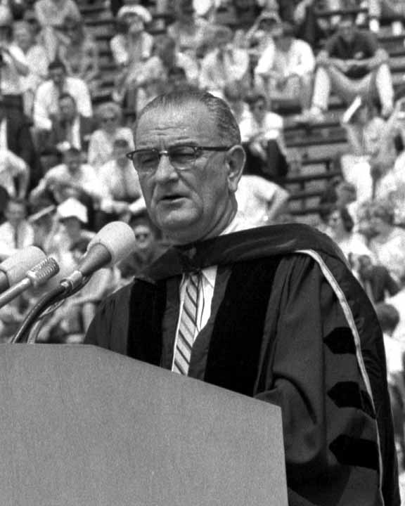 great american speech lyndon johnson example 2016-04-05 historians and political scientists have most often linked the great society to the new deal there is no doubt that lbj was committed to expanding the rooseveltian reform structure, a phenomenon that he saw as organic rather.