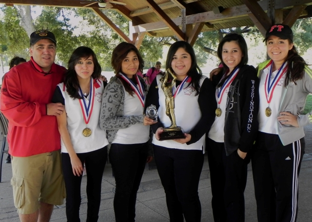saisd fall girls golf 1st place seniors