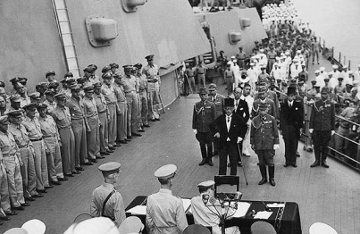 official-japanese-surrender-on-the-deck-of-the-u-s-s-missouri